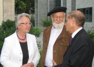 Schavan, Benyoëtz und Yakov Hadas-Handelsman in der Botschaft Israels. Foto: Müller / Stiftung Bibel und Kultur