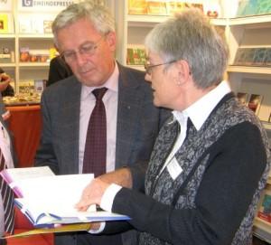 Bischof Fischer und Dr. Hannelore Jahr