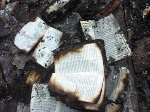 Zerstörte Schriften in Assiut / Foto: Weltbibelhilfe