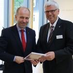 Rekowski und Friedrich bei der Vollversammlung der Deutschen Bibelgesellschaft. Foto: Müller