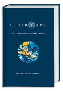 Lutherbibel mit Glasfenstern von Marc Chagall
