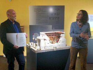 Veit Dinkelaker und Angela Dorn im Bibelhaus
